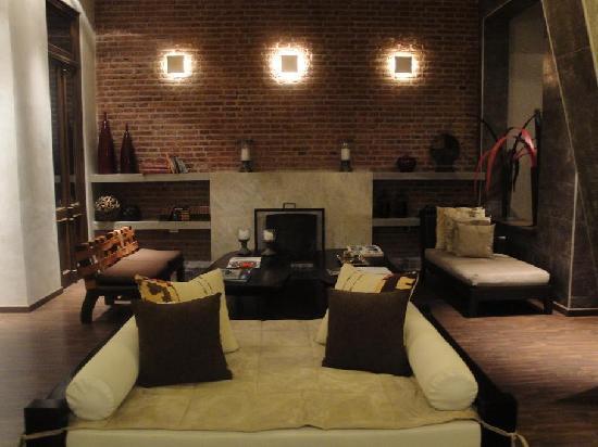 C rdoba az r real hotel boutique iorigen for Cuanto cuesta hacer una piscina en argentina