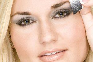 maquillaje ojos bizcos