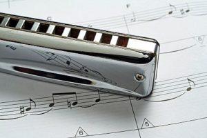 Cómo tocar la armónica