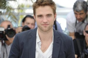 Robert Pattinson se anima con Cronenberg 1