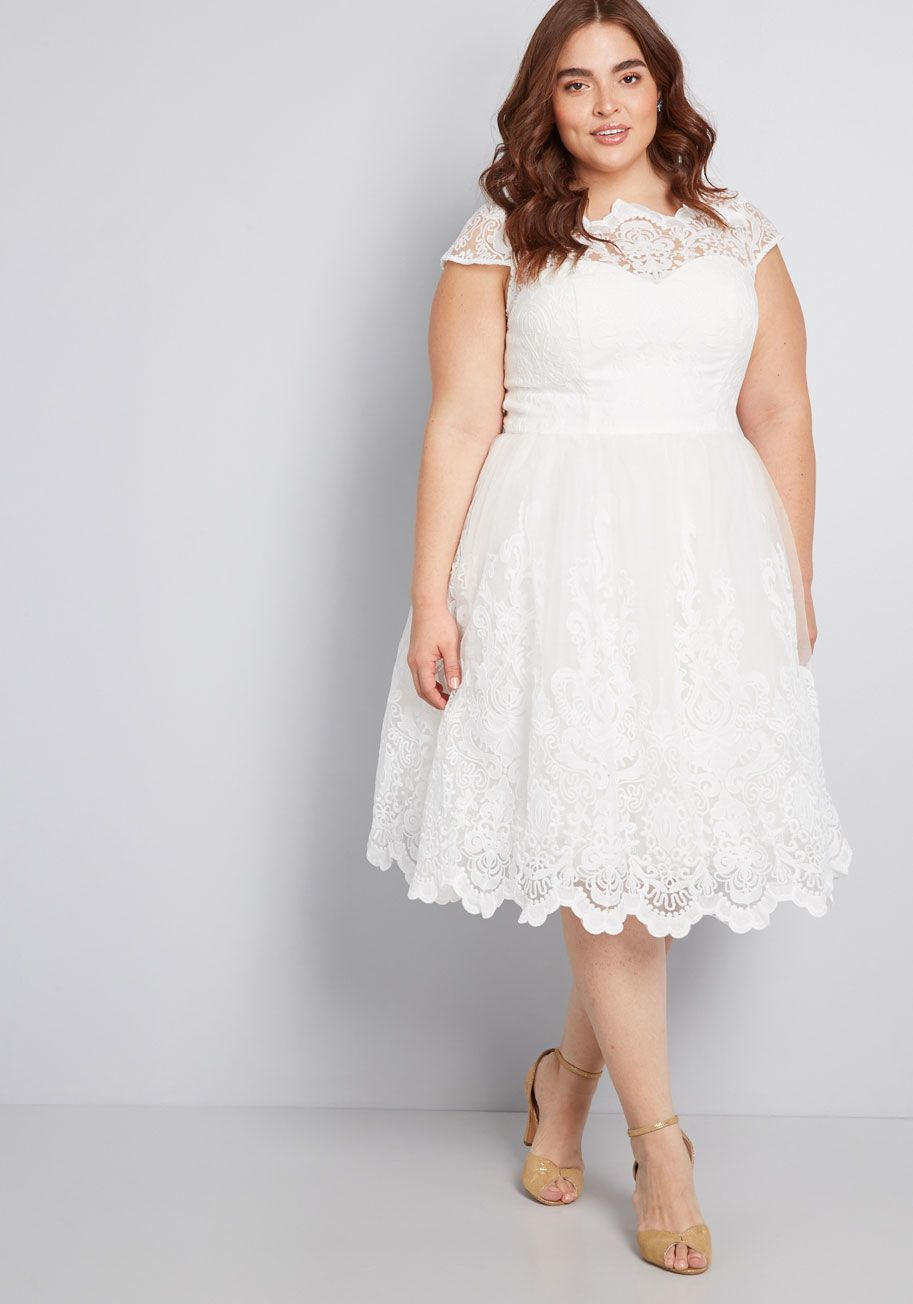 vestido blanco caderas anchas