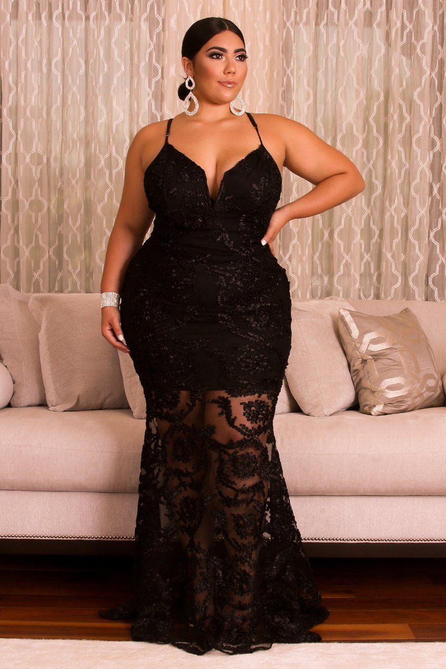 vestido negro caderas anchas