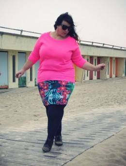 Falda y blusa en talla XL, una combinación perfecta