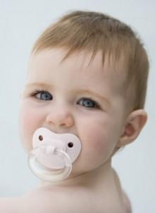 Probelmas del uso excesivo del chupete en tu bebé 1