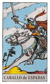 Caballo de Espadas del tarot Rider-Waite