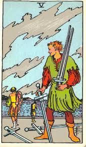 Cinco de espadas tarot Rider-Waite