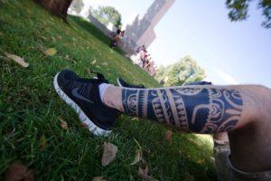 Tatuajes en la pierna espesos
