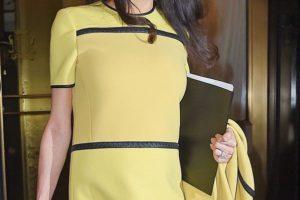 mbarazadas con estilo: Amal Clooney de Bottega Veneta