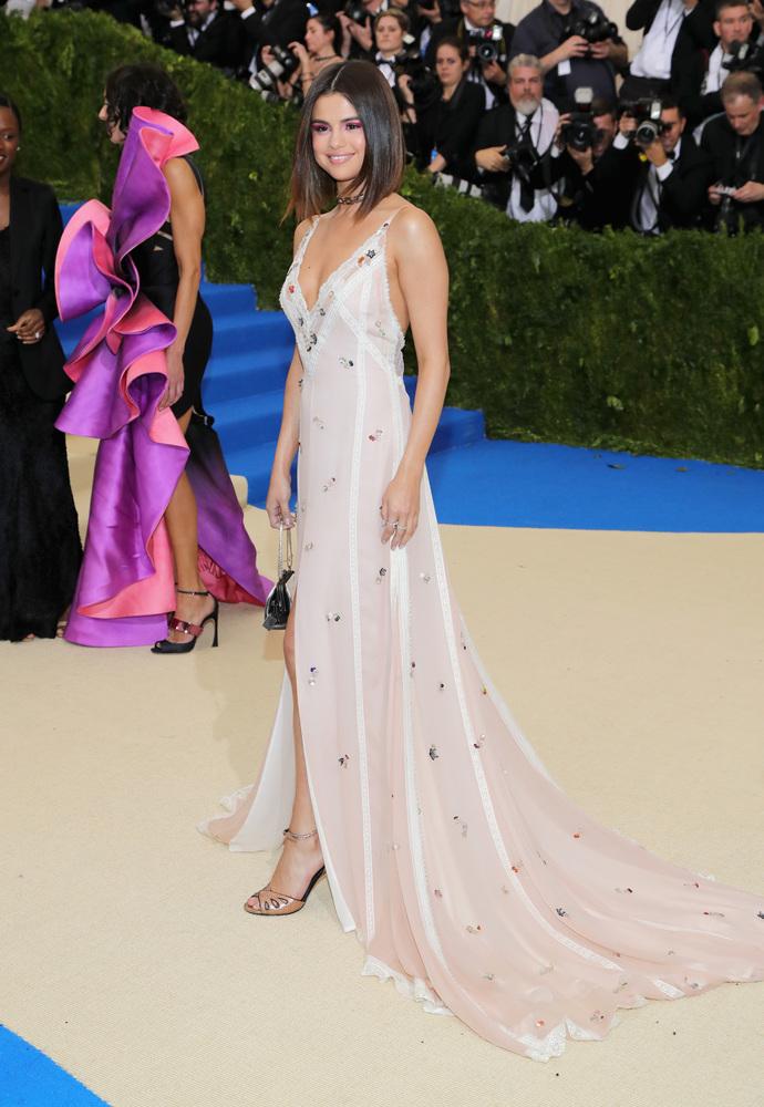 Selena Gomez - Mejores outfits y peores estilismos Gala Met 2017