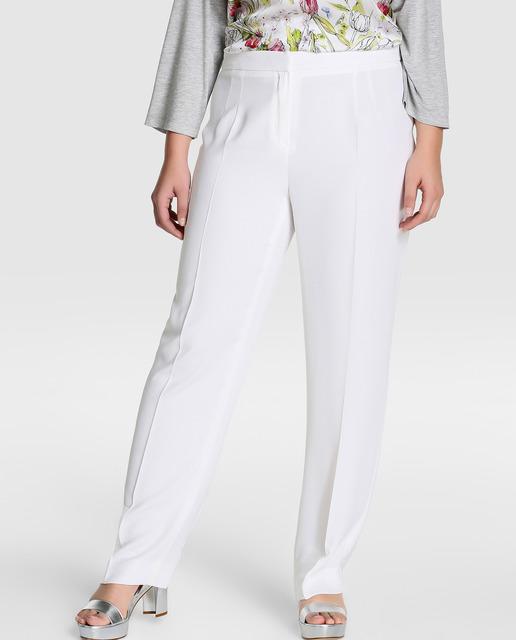 5 looks Tallas grandes - pantalones blancos