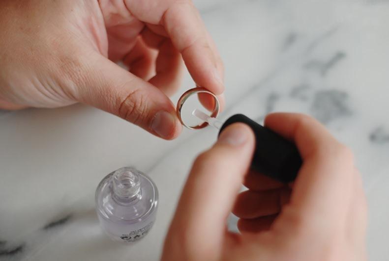 sellar los anillos con esmaltes