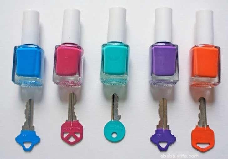 decorar llaves con esmalte