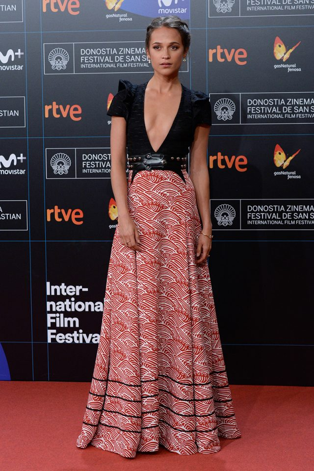 Los mejores Looks del Festival de San Sebastián 2017 - Alicia Vikander