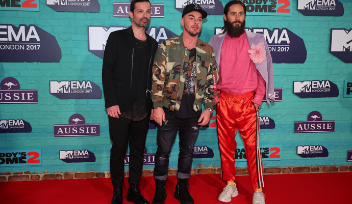 Los mejores y peores vestidos de los MTV Europe Music Awards 2017 - Jared Leto