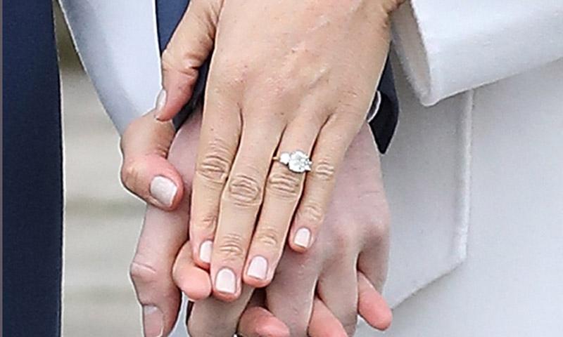 Te hablamos del look de compromiso de Meghan Markle - anillo compromiso Meghan Markle