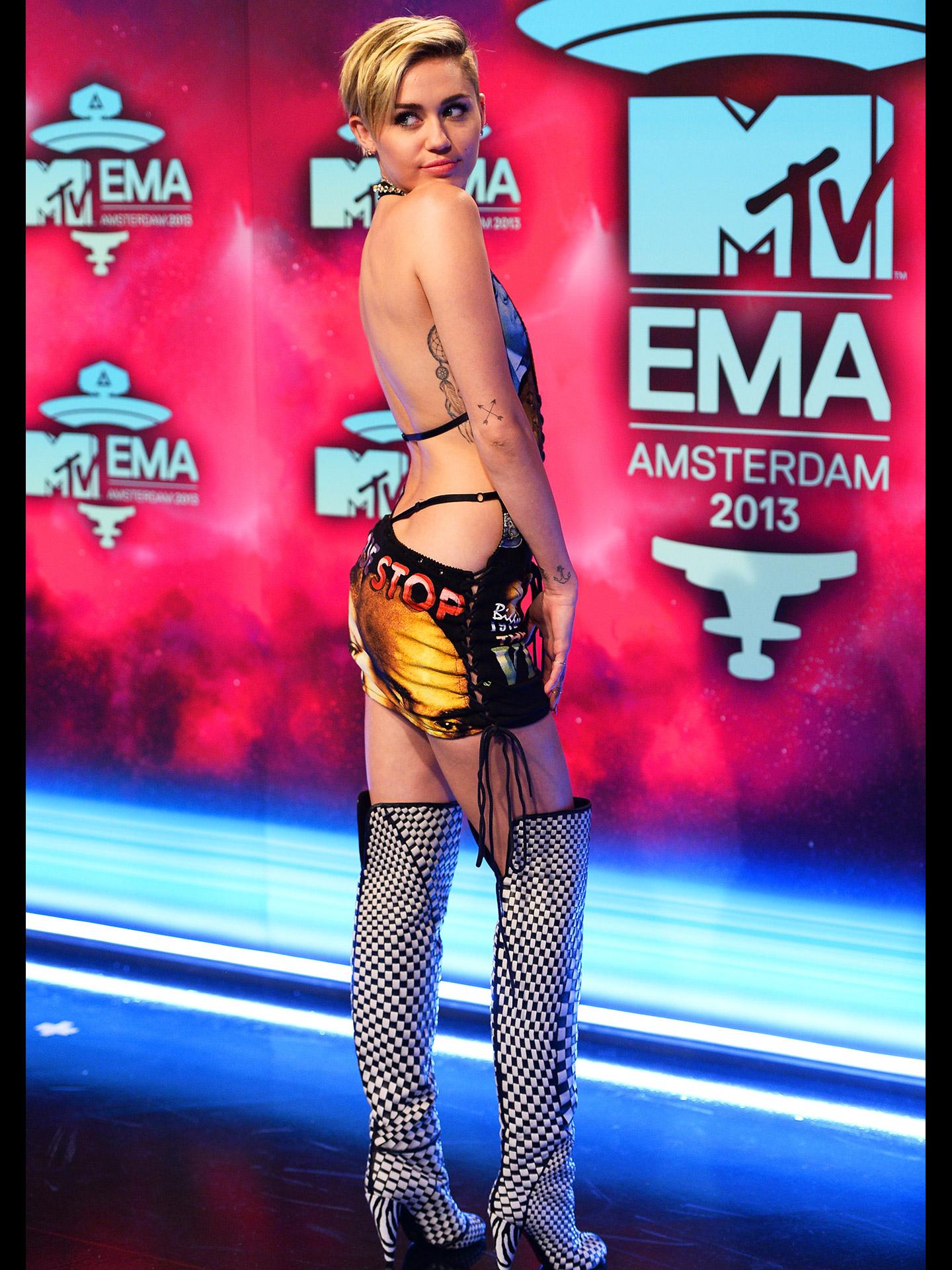 Los mejores y peores vestidos de los MTV Europe Music Awards 2017 - Miley Cyrus