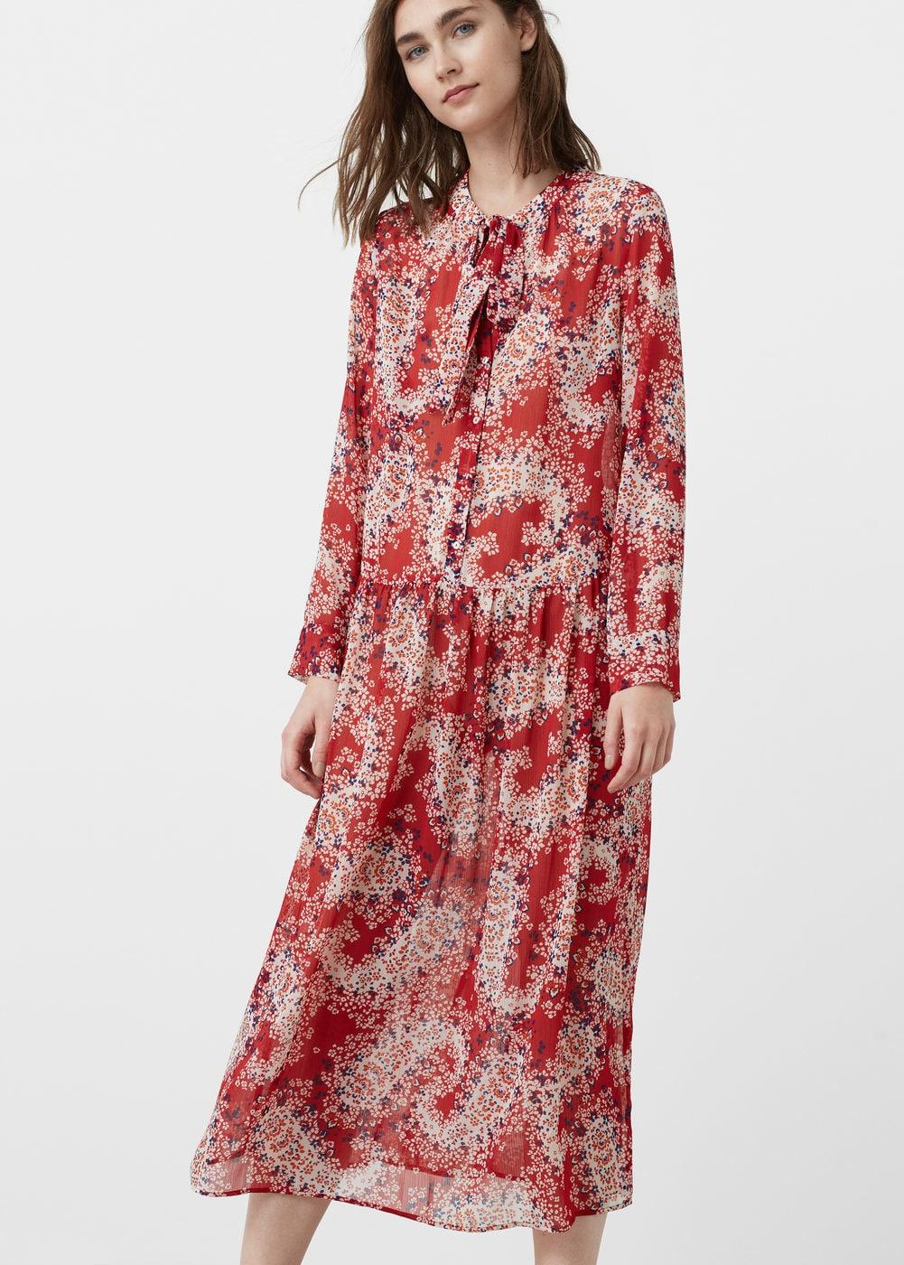 Vestidos bohemios de flores que sí deberás comprar en las rebajas - vestido estampado rojo