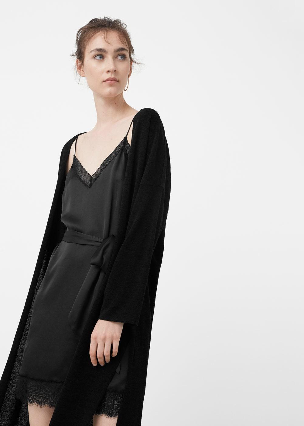 Vestidos Lenceros que podrás encontrar en Rebajas - vestido lencero negro con cinturon