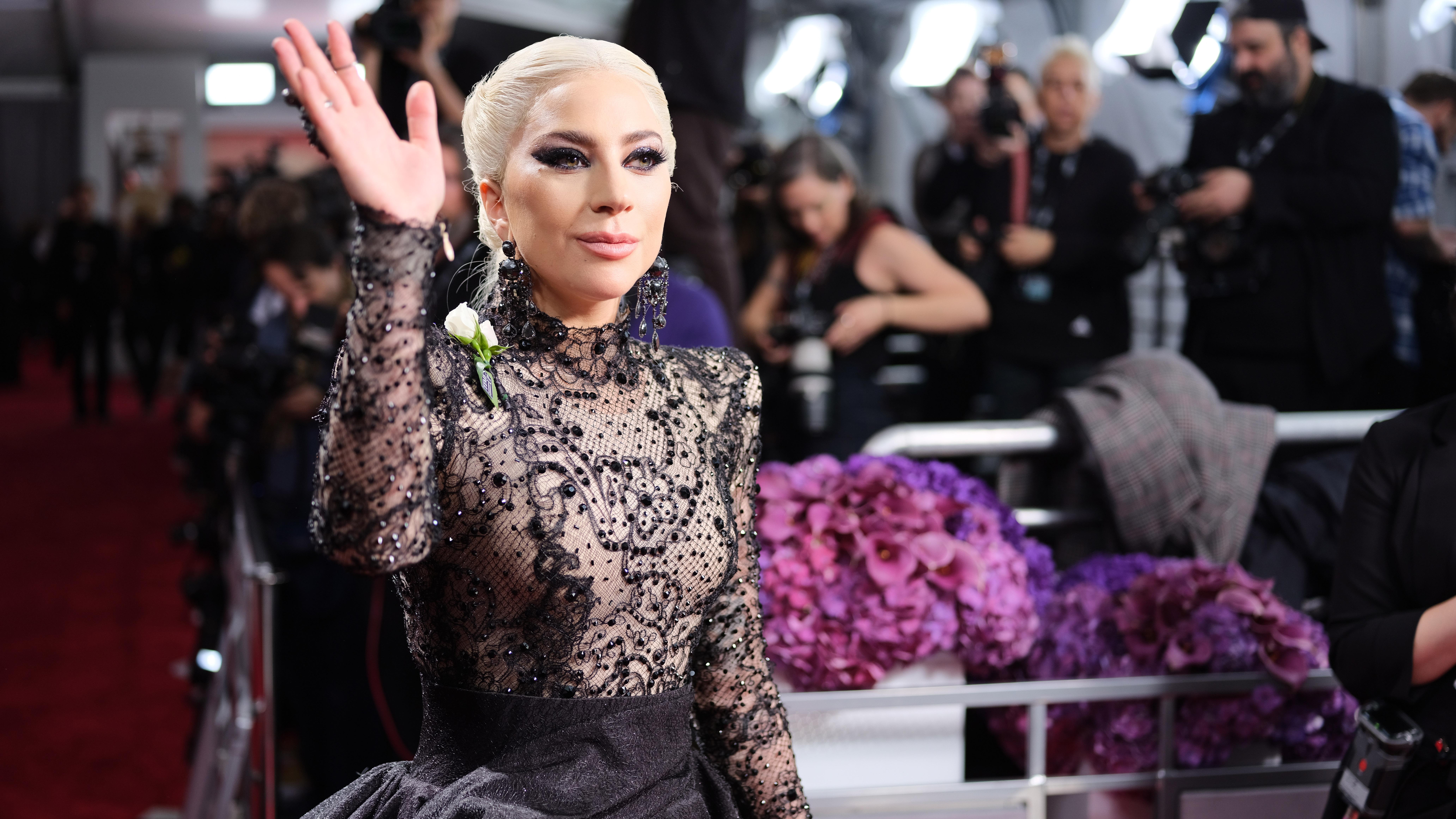 Los mejores looks de los Grammy - lady gaga