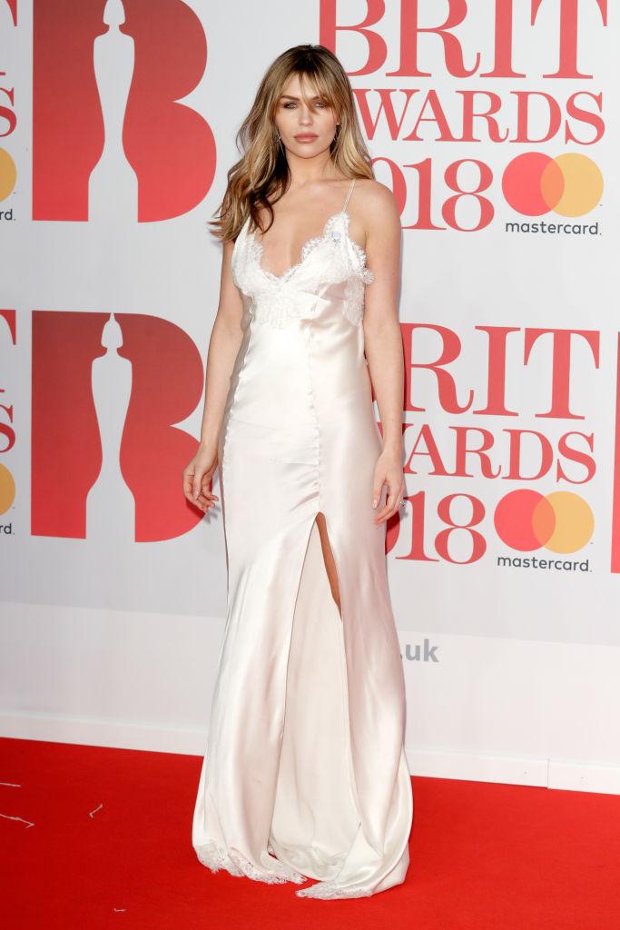 mejores looks de los Brit Awards 2018 - Abbey Clancy