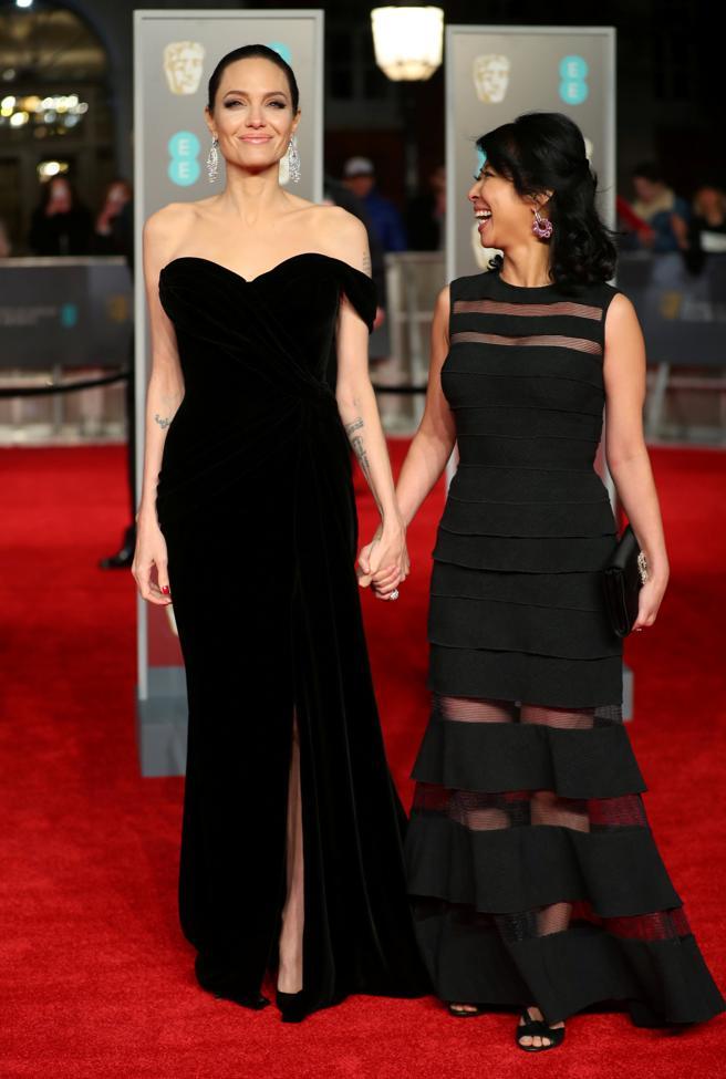 Los mejores looks de los premios Bafta - Angelina Jolie