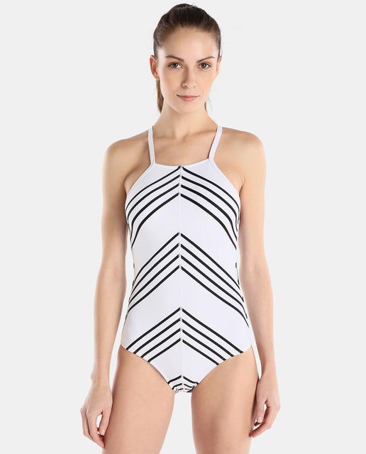 Tendencias moda baño 2018 : el blanco y negro bañador de rayas