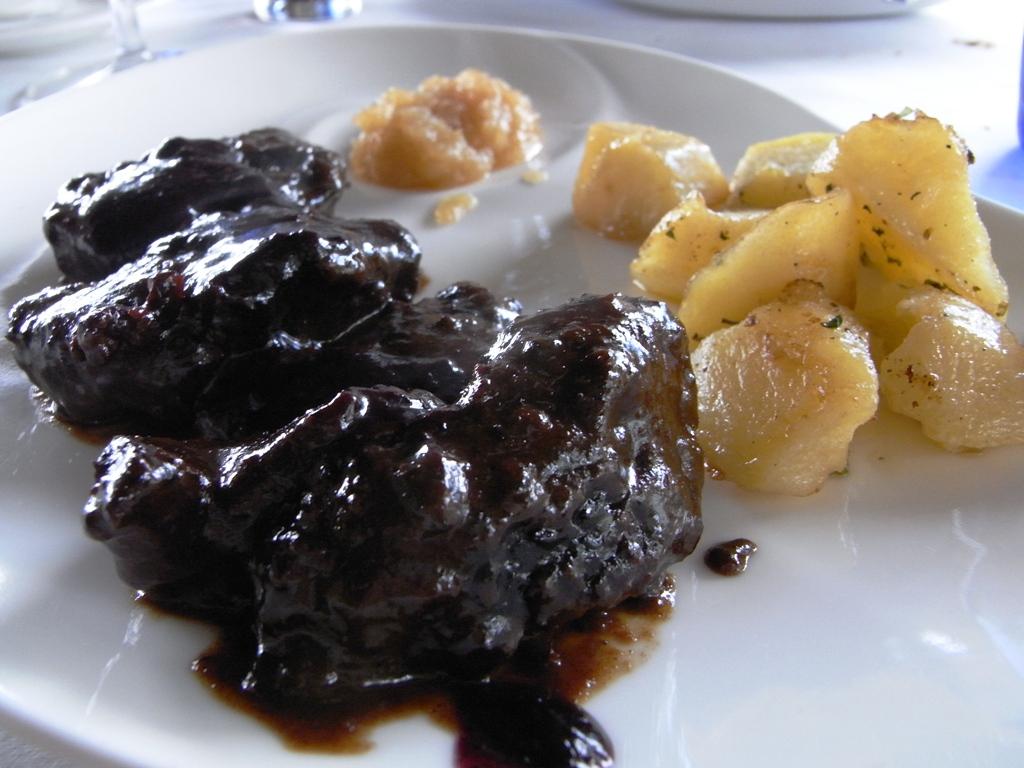 Carrillada al vino tinto, recetas de carne fáciles