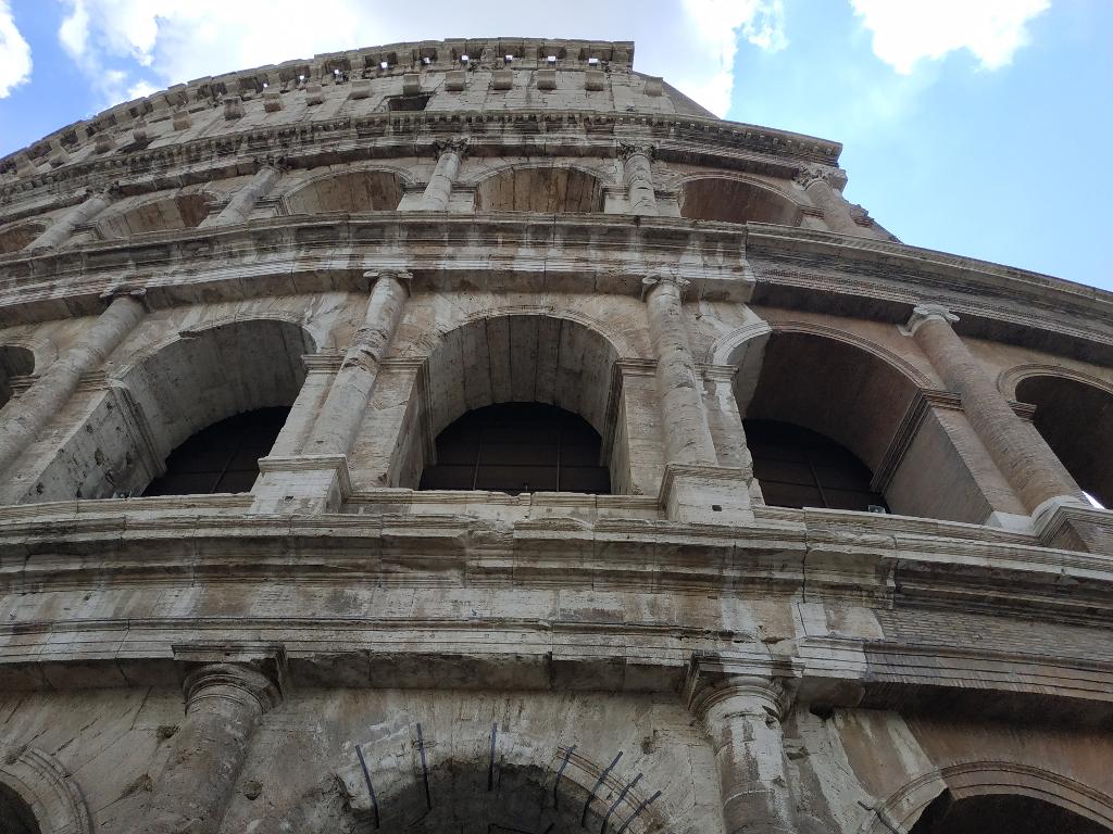 Foto curiosa del Coliseo Roma